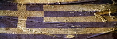 20110623145027-bandera-griega-rota.jpg