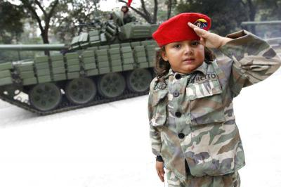 20140524122354-cubazuela-ninos-soldado.jpg