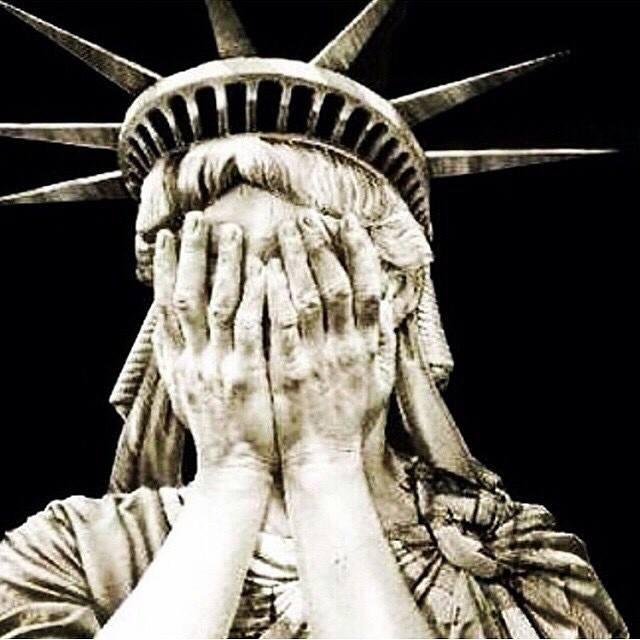 20141211224632-estatua-de-la-libertad-llorando.jpg