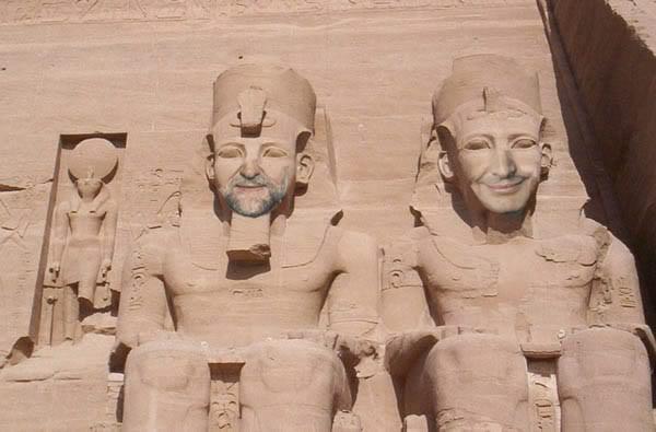 20120722160415-zapatero-efigie-egipcia.jpg