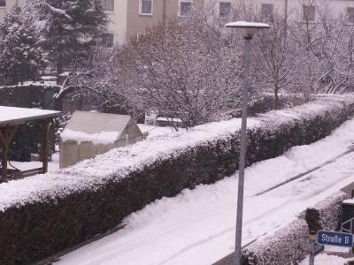 20130528233549-nieve-en-alemania-paisaje-con-farolas-31-marzo-2.013.....jpg