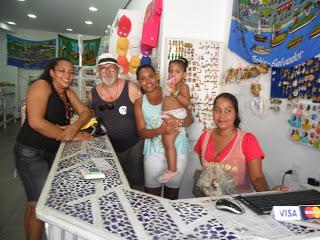 20130622142909-brasil-foto-con-negras-bahia-tienda.jpg
