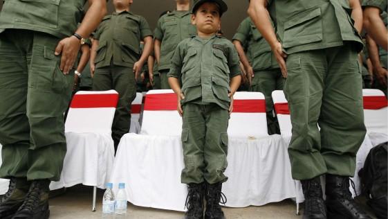 20140709170944-cubazuela-nino-soldado.jpg