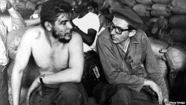 Orlando Borrego junto al Che Guevara.