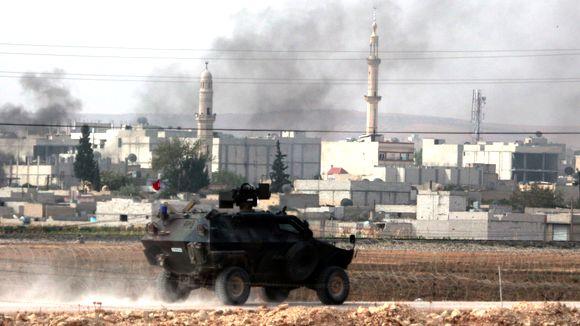 El ejército turco está listo para la frontera sirio-turca.