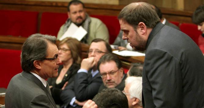 Artur Mas, junto al presidente de ERC, Oriol Junqueras
