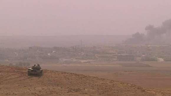 Vídeo: Estado Islámico - IS-combatientes kurdos en conquistar la sede Kobani