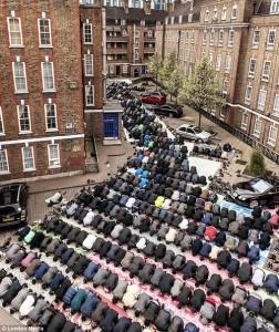 Calles de toda Europa invadidas por musulmanes