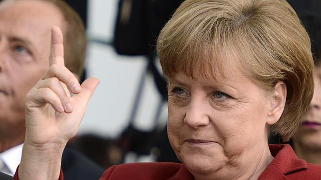 Merkel anuncia la preparación de una «agenda del crecimiento» para la UE