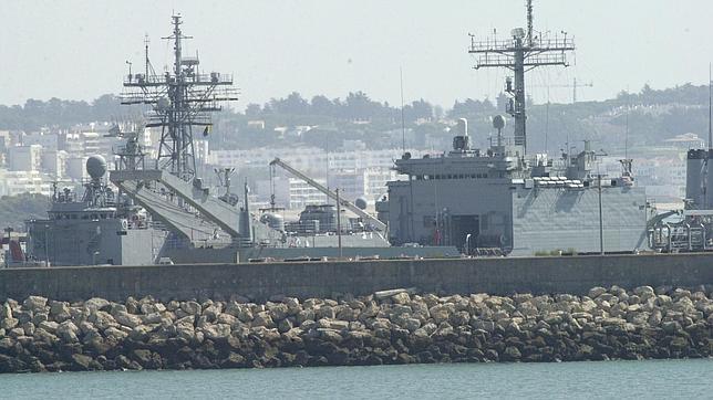Congresistas de EEUU visitan Rota para abordar el escudo antimisiles de la OTAN