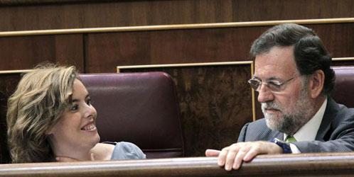 El PP acorrala a Zapatero para que reconozca que Merkel le dictó por escrito la reforma